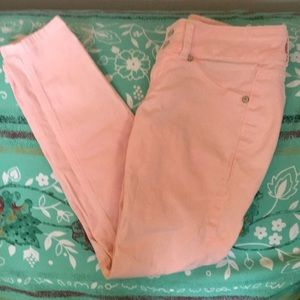 Pink jeans/jeggings